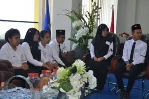 Rektor Gelar Pertemuan dengan Mahasiswa Kelas Internasional (5)