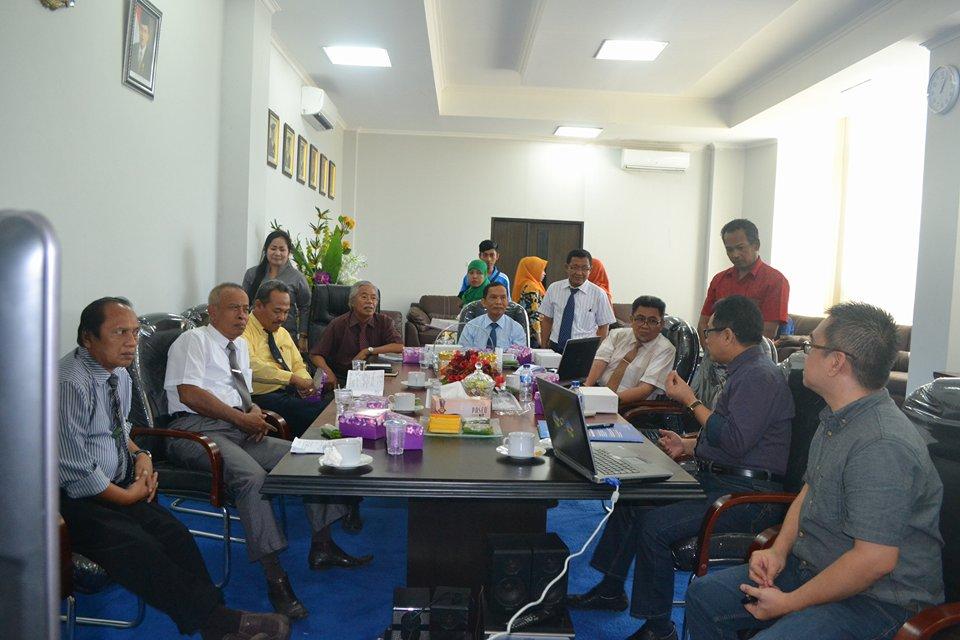 Rektor Untad Launching UNTAD Webinar