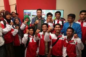 Tim ekspedisi Tapal Batas bersama menteri Pemuda dan Olahraga Imam Nahrawi S.Ag (Foto : Doc. Pribadi)