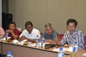 Diskusi Tim Advisor dengan Rektor Untad (Foto Taqyuddin Bakri)