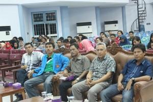 Para Wakil dekan yang sempat hadir dalam acara penutupan Porseni (foto: zl)