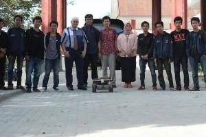 Zen (Himpunan Mahasiswa Mesin Rancang Robot Pemangkas Rumput Semi Otomatis)