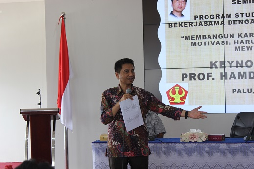 Prof Hamdan Jadi Inspirator Pada Seminar Nasional Pendidikan Sejarah