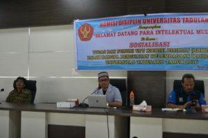 Rektor Untad, Prof Dr Ir Muhammad Basir Cyio SE MS saat menyampaikan materi dalam sosialisasi Komdis