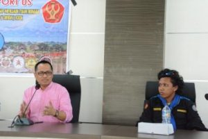 Rektor Untad, Prof Dr Ir H Muh Basir Cyio SE MS, saat menyampaikan arahan sekaligus melepas kontingen TWKM Mapatala Untad (Foto Taqyuddin Bakri)