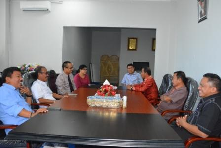 Konsultasikan APBD-P, Ketua dan Unsur Pimpinan DPRD Matra Kunjungi Untad