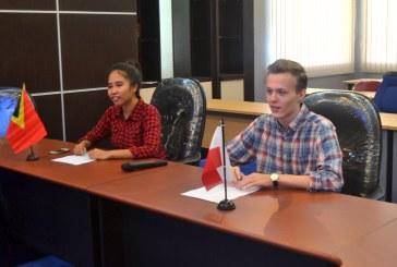 Arkadiuz Bartnik-Polandia & Anita Natalia-Timor Leste Ceritakan Pengalamannya selama Berkuliah di Universitas Tadulako