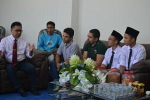 Rektor Gelar Pertemuan dengan Mahasiswa Kelas Internasional (1)
