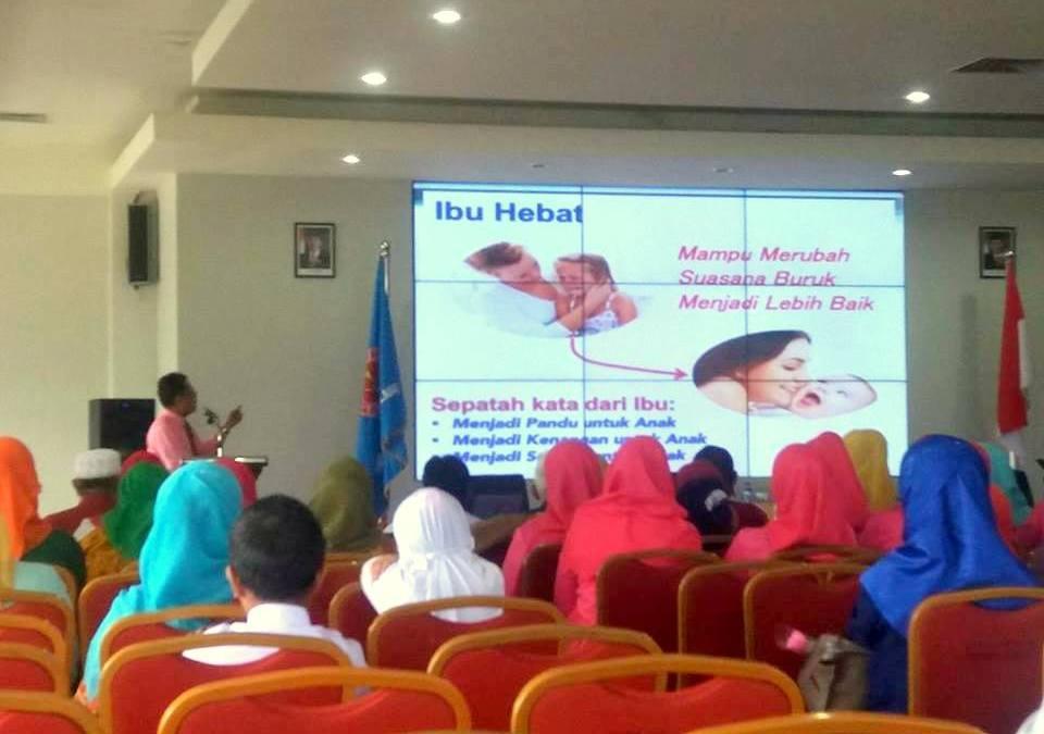 Peringati Hari Ibu ke-88, Rektor Untad : Ibu Hebat akan Lahirkan Anak yang Lebih Hebat