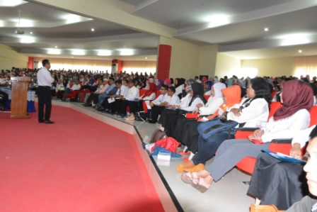 Sosialisasi Peningkatan Kapasitas Kinerja dan Pelayanan Prima, Rektor: Pegawai Untad Wajib Berikan Pelayanan Prima