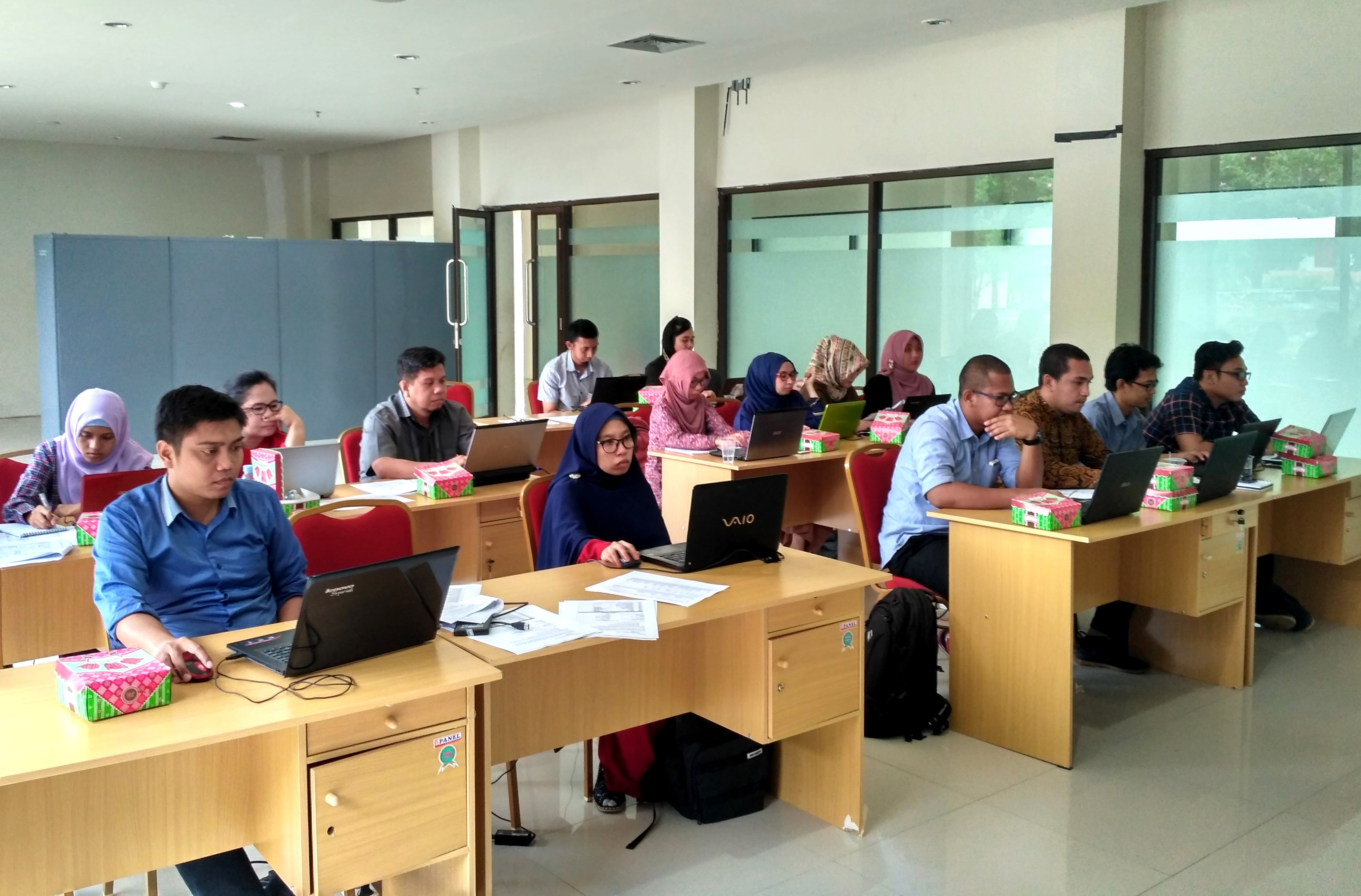 Fakultas Ekonomi Untad Selenggarakan Workshop Accurate Accounting Software Untuk Dosen Akuntansi