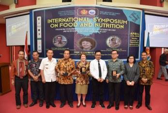International Symposium Fakultas Kesehatan Masyarakat Untad Hadirkan Pakar Gizi & Makanan Asal New Zealand