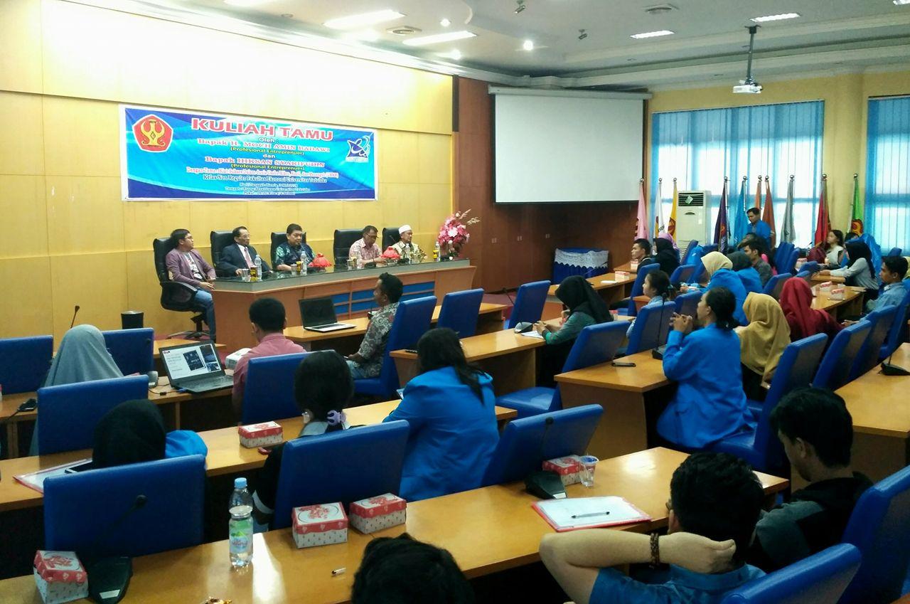 Fakultas Ekonomi Untad Hadirkan Profesional Entrepreneur Dalam Kuliah Tamu UMKM