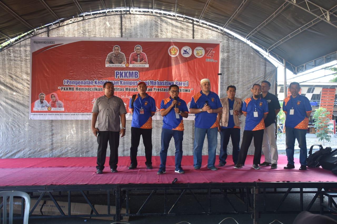Rektor Bersama Unsur Pimpinan Untad Pantau Pelaksanaan PKKMB Angkatan 2019