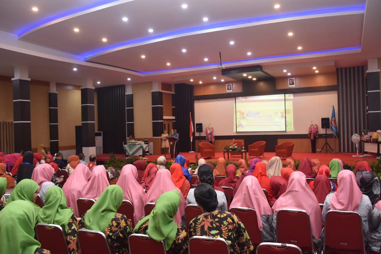 Dharma Wanita Untad Gelar Talkshow Terkait Peran Ibu Terhadap Pendidikan Anak Di Era 4.0
