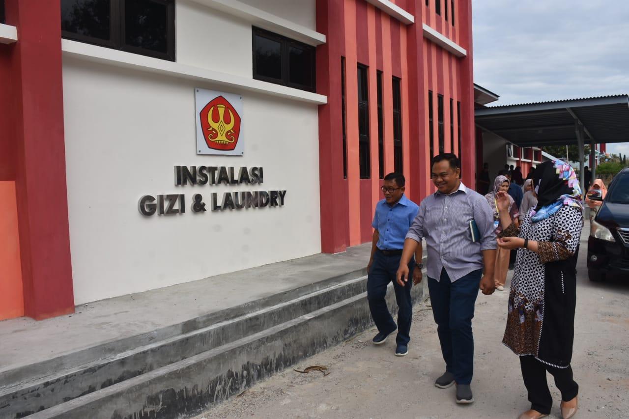 Rektor Tinjau Fasilitas Instalasi Gizi & Laundry Rumah Sakit Untad