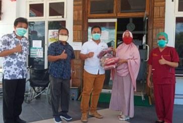Cegah Penyebaran Covid-19, FMIPA Berikan Bantuan Masker Ke RS Pendidikan Untad