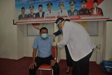 Usai Divaksin,Rektor Untad Imbau Civitas Akademika Untuk Sukseskan Program Vaksinasi Pemerintah