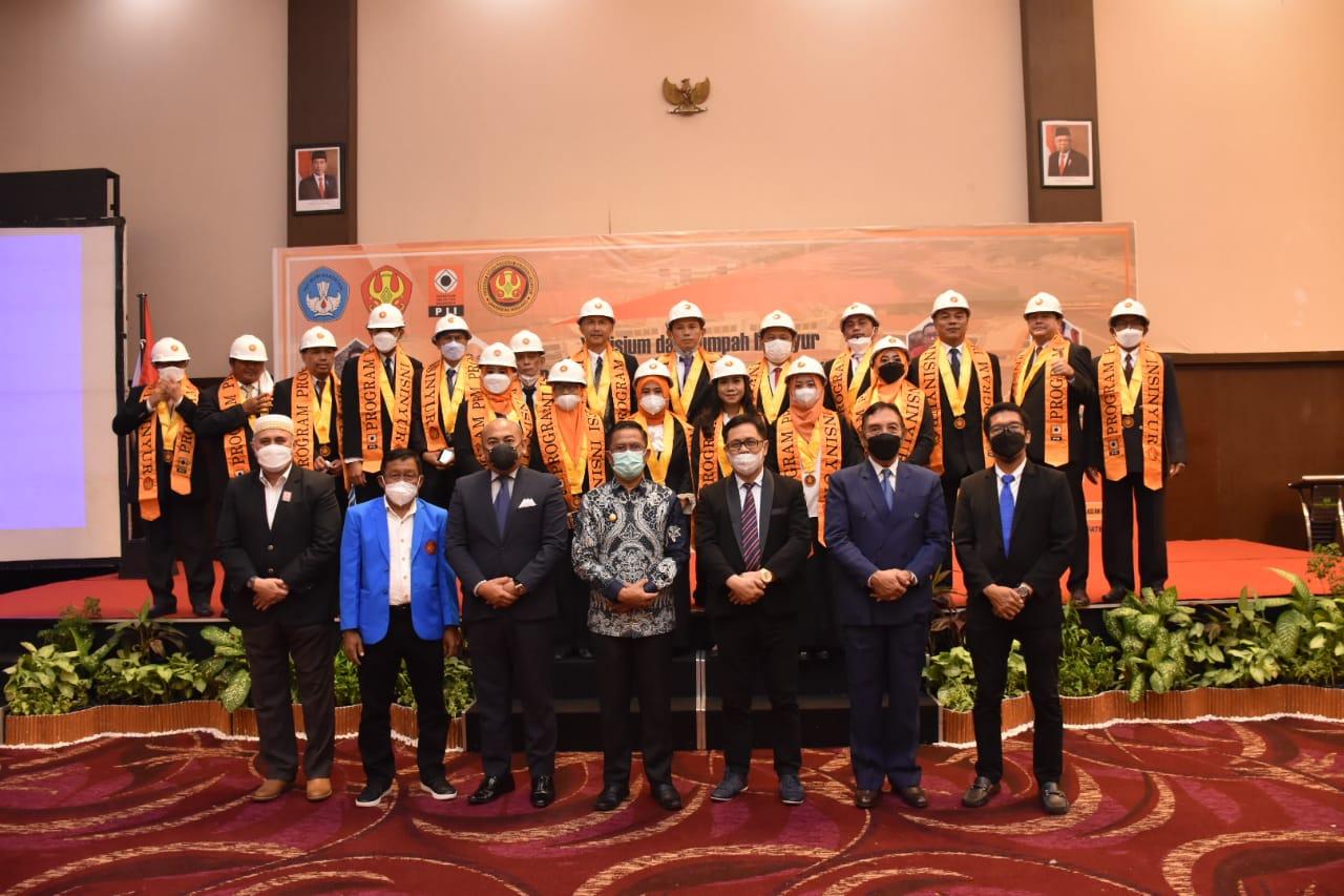 Fakultas Teknik Untad Gelar Yudisium & Sumpah Insinyur Perdana Prodi Profesi Insinyur