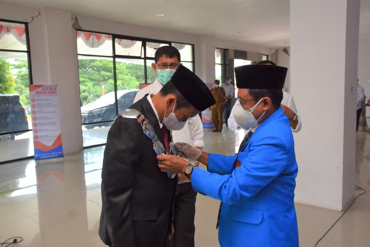 Rektor Lantik Dekan Fakultas Kesehatan Masyarakat Untad Periode 2021 – 2025